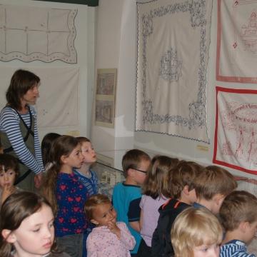 16.4. - 27.5. 2018 Edukační programy k výstavě Bytový textil 1. republiky